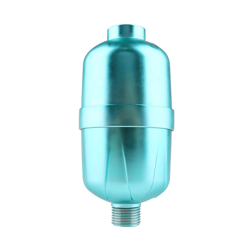 Portable ozone shower filter chlorine filter in shower head